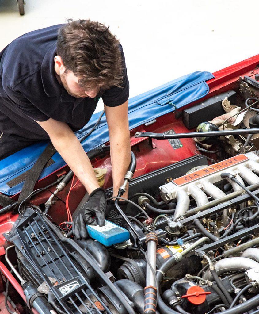 Carl Jennings Automobilservice Bielefeld - Fachbetrieb für klassische Automobile